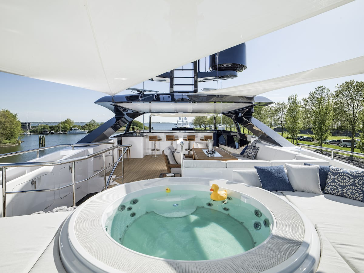 Heesen_51m-for-charter-pool
