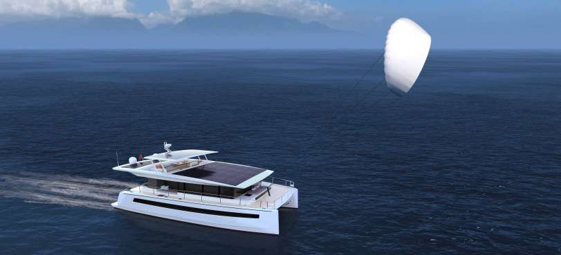 _SILENT+60-catamatan-yacht-solar-with-kite
