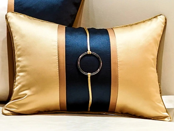 _pillow-with-ring-silk