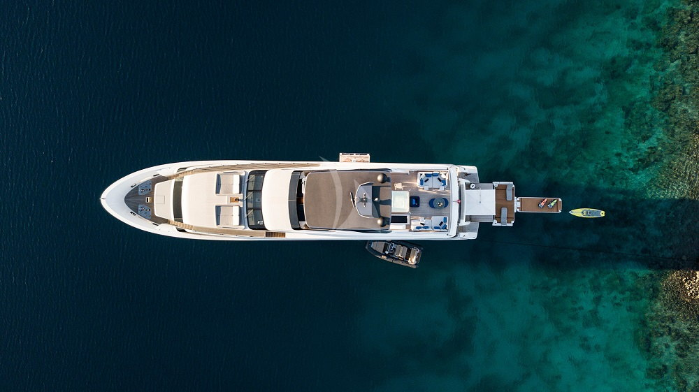 sanlorenzo36m-charter-exterior-water-toy