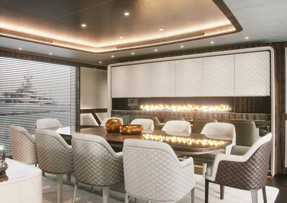 yacht-Dynamiq-G_350-35-fire-place-interior-on-yacht