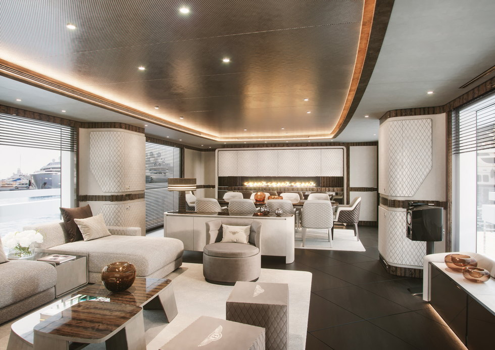 yacht-Dynamiq-G_350-35-fire-place-interior