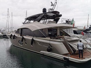Monte Carlo Yachts 80 (like new)