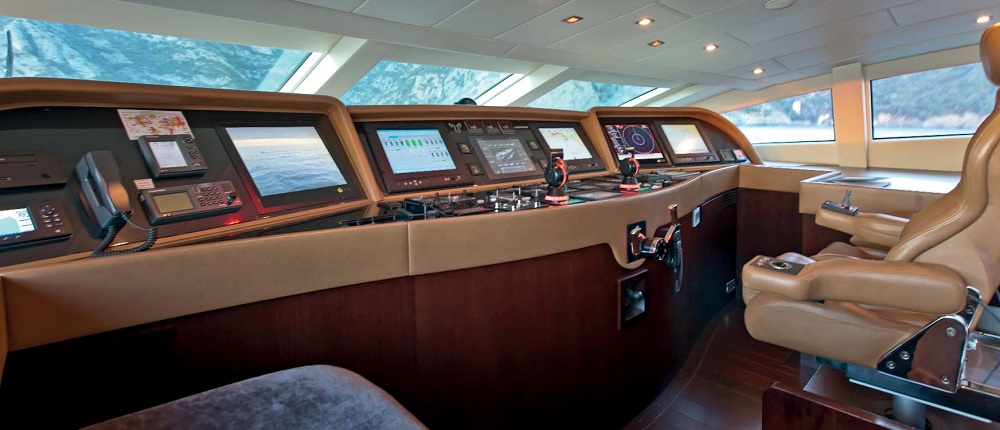 Mangusta_46metre_yacht_for_sale_helm_station