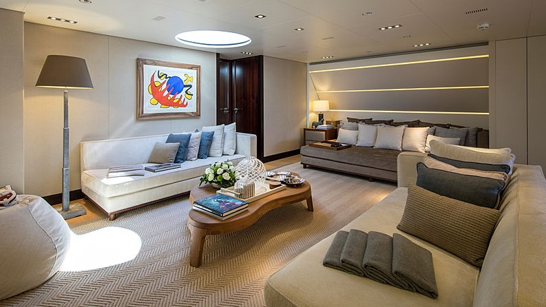 Mondomarine_50M_lounge