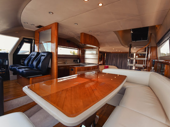 Princes21m_yacht_for_sale_saloon