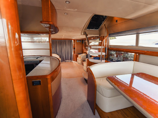 Princes21m_yacht_for_sale_saloon_interior