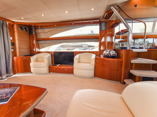 Princes21m_yacht_for_sale_saloon_interior_sofa