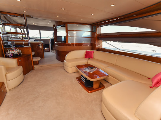Princes21m_yacht_for_sale_saloonn