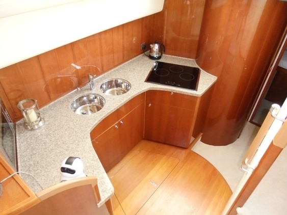 Princess_yacht_42_interior_galey