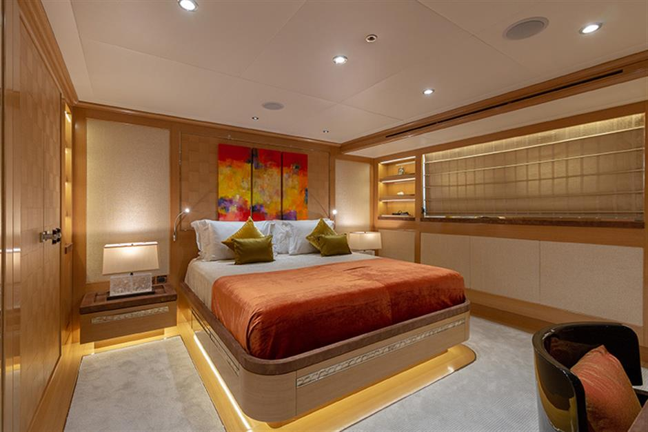 Sunrice_45m_2014_yacht_guest_stateroom