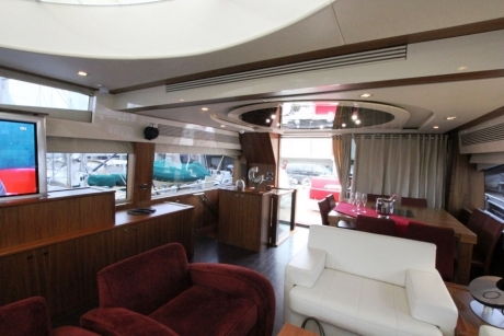 Sunseeker-92_2008_saloon2
