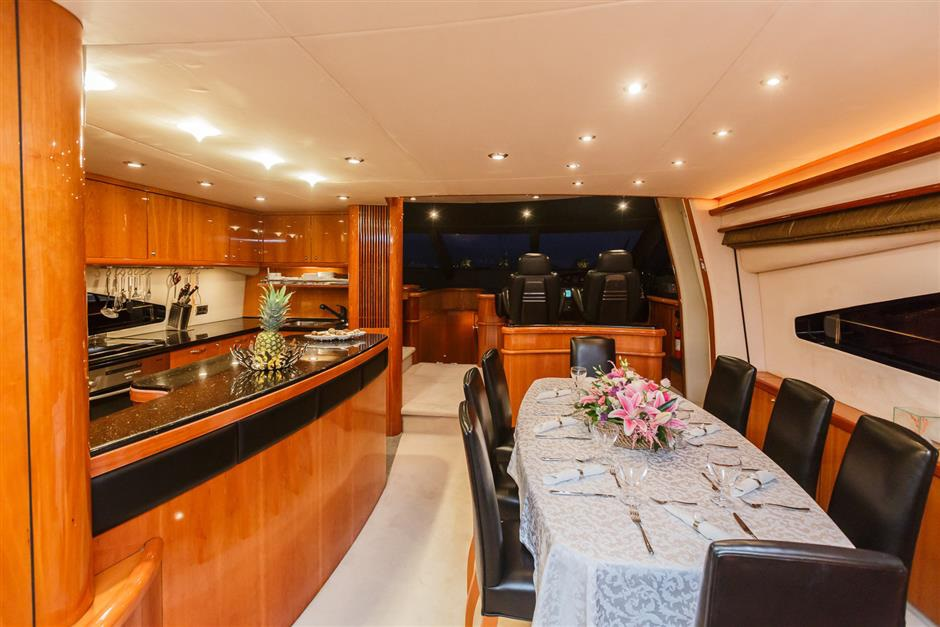 Sunseeker25M_yacht_for_sale_dining