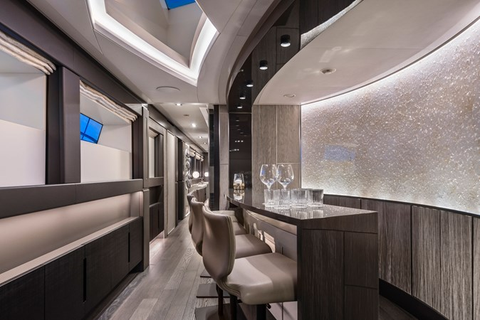 Yacht_Pershing_140_bar