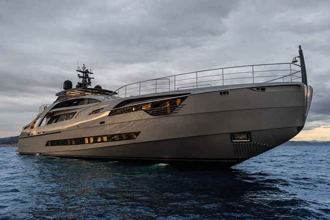 Yacht_Pershing_140_by_Ferretti