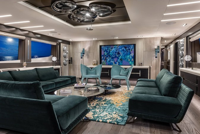 Yacht_Pershing_140_green_lounge