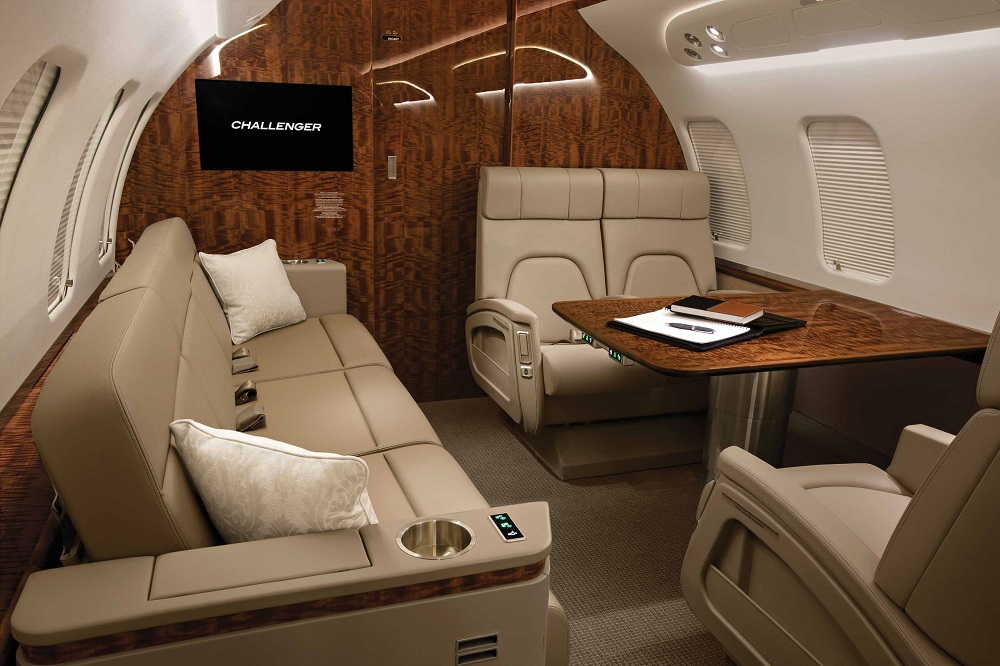 2017-bombardier_ch650_saloon_layout_sofas