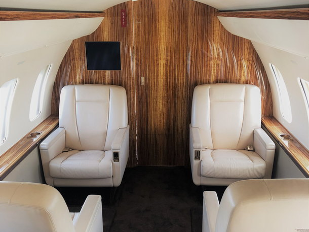 Bombardier_605_Chalenger_forvard_cabin